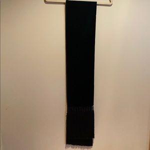 H&M autumn collection 2013 velvet scarf.